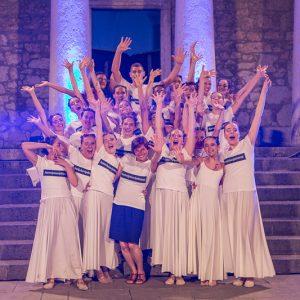 Plesna Skupina Ri Dance Oduševila Mnogobrojnu Publiku Ljeta Na Gradini