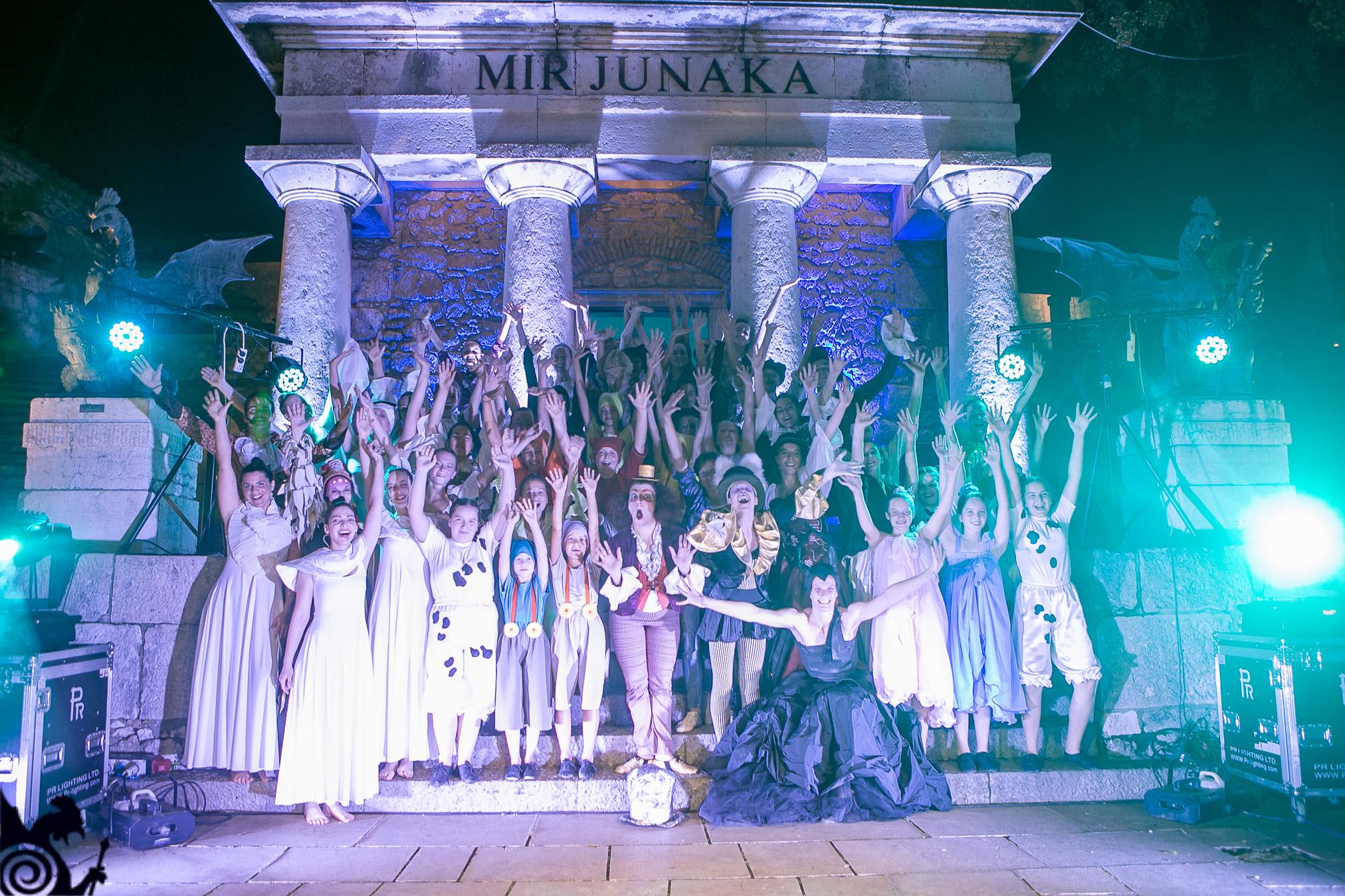 """U Sklopu Manifestacije Gradina Dance Art Više Od 50 Izvođača Posjetitelje Trsatske Gradine Ugostilo Na """"Čajanki Kod Šeširdžije"""""""