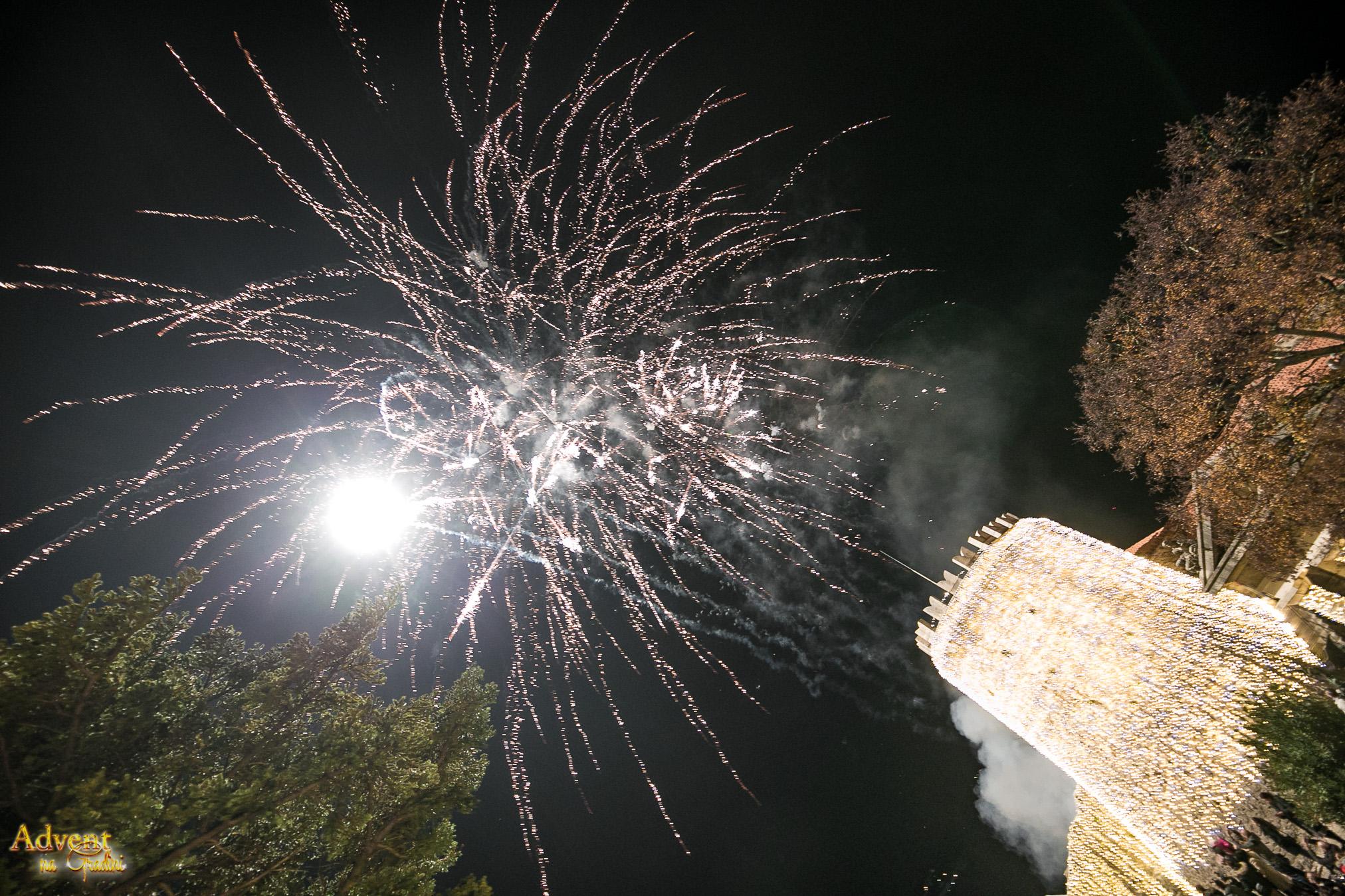 Spektakularno Paljenje Lampica Na Trsatskoj Gradini Oduševilo Tisuće Posjetitelja!