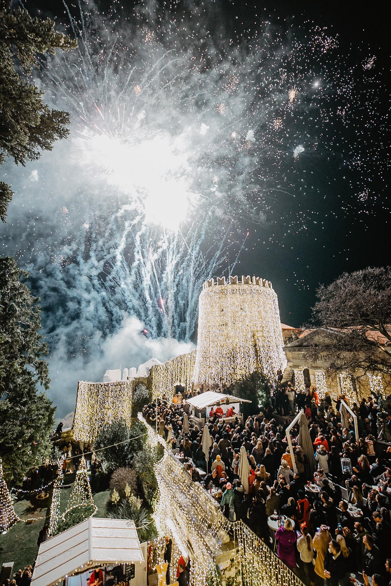 Tisuće Posjetitelja Odbrojavalo Sekunde Do Spektakularnog Paljenja Lampica – Otvoren Je Treći Advent Na Gradini!