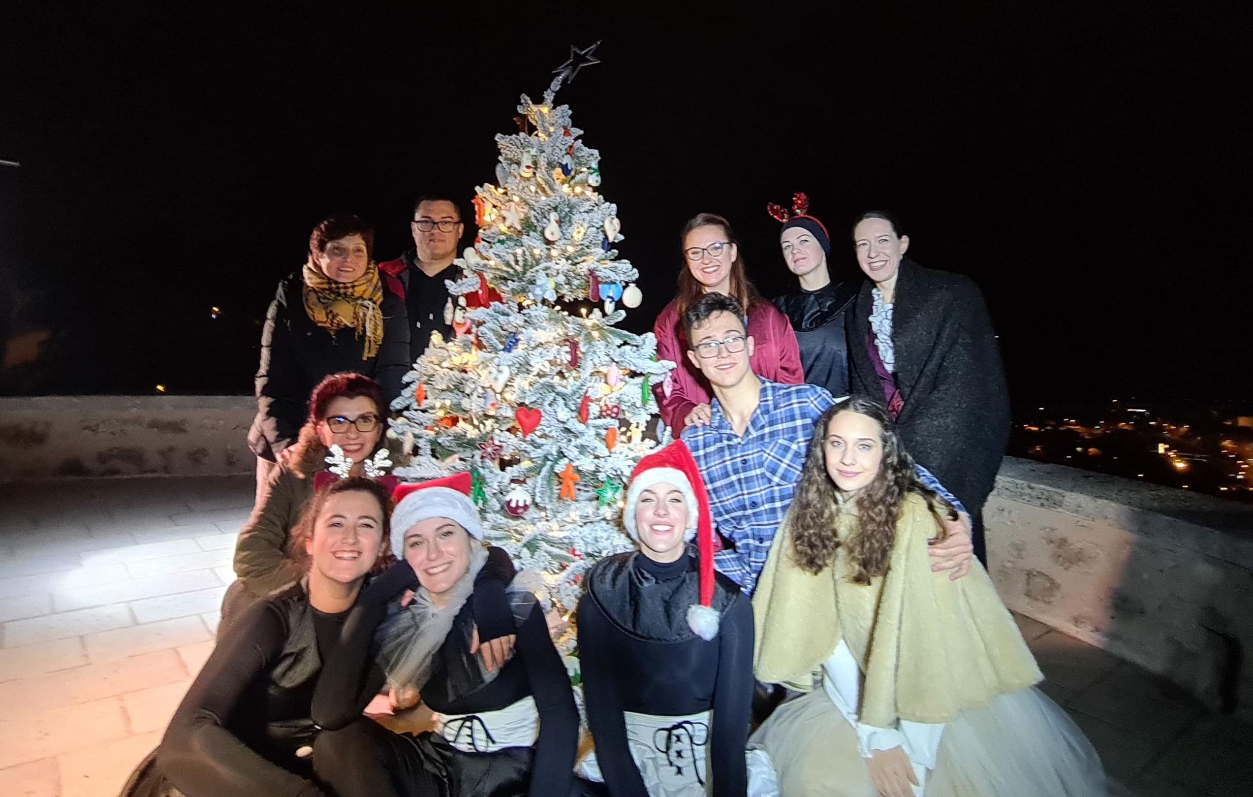 Božićna Video čestitka Adventa Na Gradini I Udruge Ri DANCE